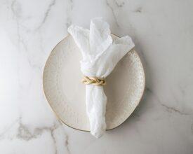 biała serwetka