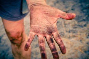 Brudne dłonie