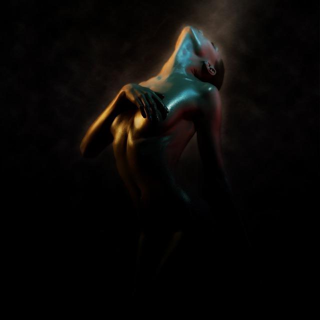 Naga kobieta