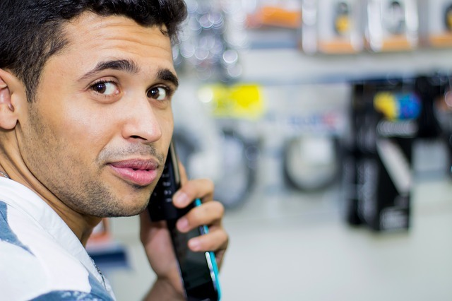 Rozmawiać przez telefon